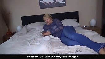 Reife Swinger - 69 And Doggy Style With Busty Mature Susi