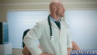 Slut Horny Patient (Reagan Foxx) And Doctor In Hard Action Scene Video-24