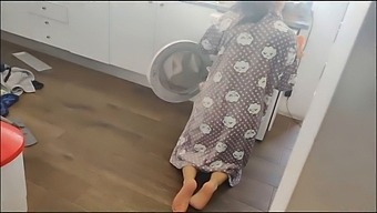 Fucking My Friend'S Mother Inside The Washing Machine In Doggy Style, Cumshot In Her Ass
