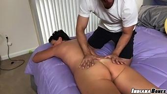 Mom Gets Massage And Fucked