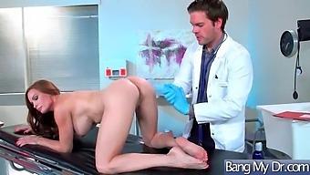 Hardcore Sex Act Between Doctor And Hot Slut Patient (Diamond Foxxx) Mov-17